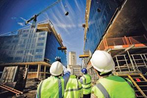 строители на объекте